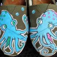 $149.00 Octopus in Love TOMS shoes by BStreetShoes on Etsy