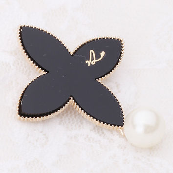 Elegant Lady Classic Black Lucky Clover Flower Brooch Pin