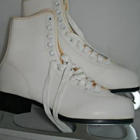 Vintage Ice Skates in Original Box Ladies Figure Skates Size 7 Never Used American Rocket White Figure Skates for Skating or Decorating