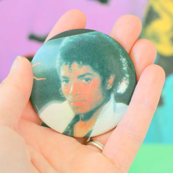 1980s 1990s MICHAEL JACKSON Button...retro. kitsch. band. rock and roll. flair. thriller. king of pop. jackson 5. moon walk. billy jean