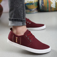 Sporty Men Lace-Up Solid Canvas Sneakers