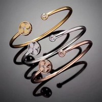LV Woman Fashion Diamond Hollow Plated Bracelet