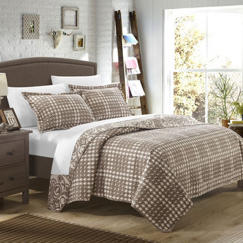 Chic Home 2 Piece Revenna REVERSIBLE printed Quilt Set. Front a traditional pattern and Reverses into a houndstooth pattern, Twin, Beige