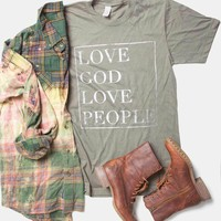 Love God Love People (olive) - Tee