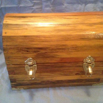 Reclaimed Wooden Box, Reclaimed Pine Box, Keepsake Box, Wedding Gift Box