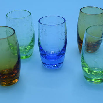 Color Etched Set of 5 Liquor Glasses Vintage Barware Shot Glasses Cordial Glass Set Multi Color Mid Century Barware Replacement