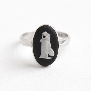 Vintage Wedgwood Sterling Silver Andromache Cameo Ring - Size 7 1/4 English Black Jasperware London Oval Dark Cameo 1976 Jewelry