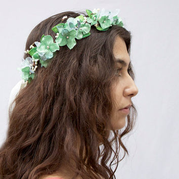 Velvet Mint Bridal Crown. Bridal Flower Crown, Wedding Headpiece, Bridal Headpiece, Mint Green, Flower Girl, Hair Wreath, Floral Crown, Halo