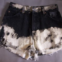 Levi's 912 Shorts Women's size 9 Re-worked Frayed accidental heart shape