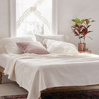 Dotty Daisy Coverlet | Urban Outfitters