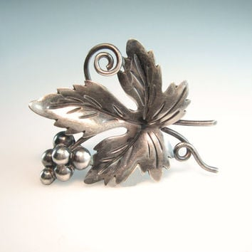 Taxco Silver Brooch Grapes Leaf Signed Dámaso Gallegos Wine Lover Vintage 1940s Mexico Sterling Jewelry