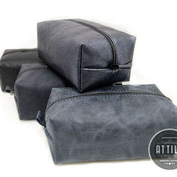 Set of 8 Dopp Kits, Blue Leather Shaving kit, groomsman gift, dopp kit, travel bag, bridesmaids gift, wedding gift, monogram, custom leather