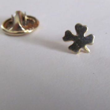 Lucky Clover Jewelry Gold Shamrock Jewelry Good Luck Charm St Patricks Day Jewelry Luck of Irish Good Luck Token