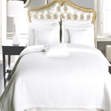 Luxury White Checkered Quilted Wrinkle Free Microfiber Multi-Piece Coverlets Set
