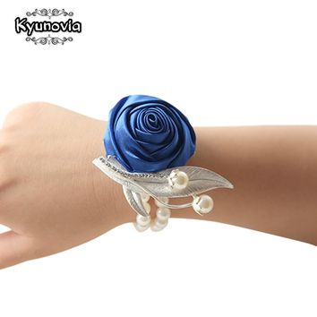 Kyunovia Custom Prom Flower Corsage Bracelet Satin Rose Wrist Corsage Bridal Hand Flower Pearl Brooch Wedding Wrist Band FE53
