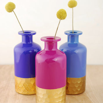 Gold #honeycomb pattern bud vases in different #colors