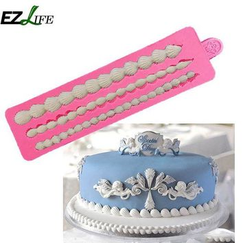 DCCKFS2 New 3 edge Silicone European Cake Lace Decoration Tools DIY Kidding Cake Fudge Mold Kitchen Bakery Accessories EZLIFE ZH01705