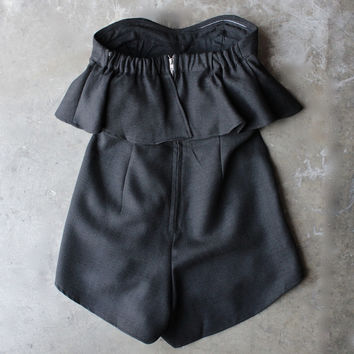 ruffled strapless romper - black