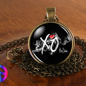The Weeknd XO Music Artist Necklace Antique Jewelry Glass Photo Pendant Gift