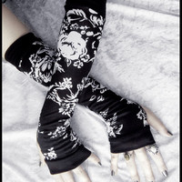 Monochrome Mezereon Arm Warmers - Black & White Floral - Yoga Gothic Belly Dance Goth Cycling Hooping Light Casual Lolita Running Fall Woods