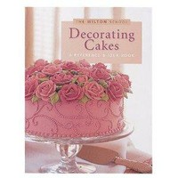 Wilton Decorating Cakes Book