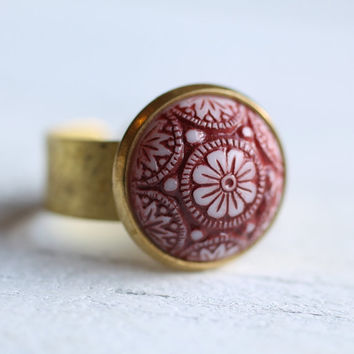 Moroccan Mosaic Ring .. Red White Glass with Gold