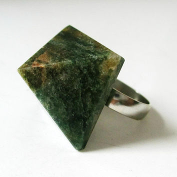 Pyramid Stone Cocktail Ring. Green Aventurine