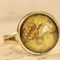 Gold World Map Ring VINTAGE RETRO-RING by ClothLess