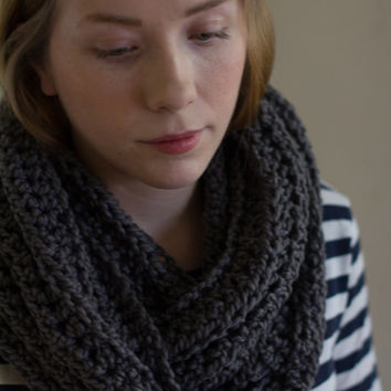 Sale Chunky Infinity Scarf in Dark Gray, grey infinity scarf, knit circle scarf, vegan, silver, unisex, fall accessories