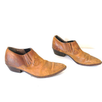 size 11 COWBOY ankle booties vintage 80s WESTERN caramel leather pointy slip on unisex CHELSEA booties