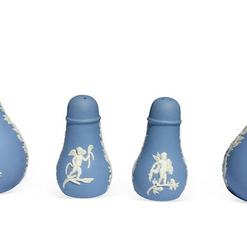 Wedgwood Cherub Salt/Pepper & Vase,4 Pcs