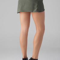 Merritt Charles Sydney Shorts in Military Green
