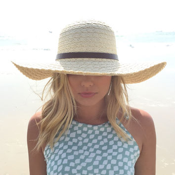 Pull Over Buckle Floppy Hat