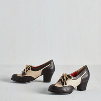 Vintage Inspired, 20s, 30s, Colorblocking, Scholastic Oxford Comment Heel in Noir by Bait Footwear from ModCloth
