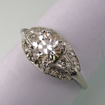 An Antique Art Deco Engagement Ring, European cut Diamonds set in Platinum.  (A1616)