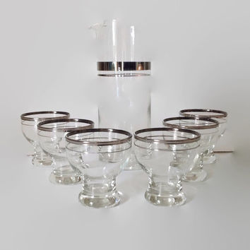 Mid Century Vintage-Martini Mixer-Silver Rim Glasses-Vintage Barware-Cocktail Set-Home Decor-Mad Men-Martini Pitcher-Silver Bands