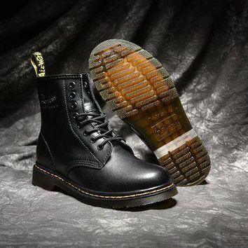 PEAP2Q dr martens classic 8 holes high top men women boots color black