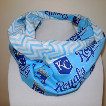 Kansas City royals Scarf - Royals Infinity Scarf - Blue White Chevron - Cotton flannel - Lightweight - KC Royals - Double Loop