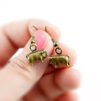 Piggie Earrings - Antiqued Brass Vintage Style Pig Dangle Earrings - Bridesmaids Gifts Idea - CP016