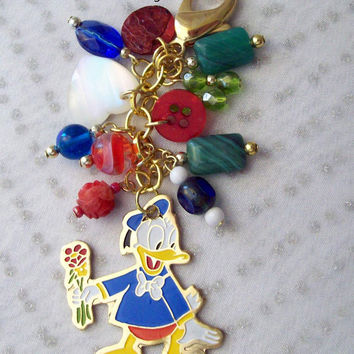 Disney Beaded Zipper Pull Donald Duck in blue green red