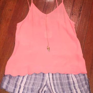 Peach Scallop Tank