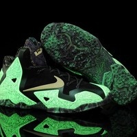 "LeBron 11 XI P.S Elite ""Luminous"" Sneaker Shoe"