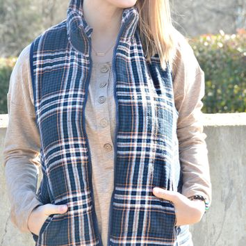 Mountain View Plaid Vest - Navy