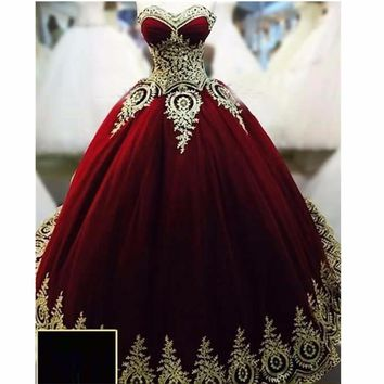 Sweetheart Burgundy Ball Gown Puffy Evening Gowns With  Gold Appliques Vestido Longo De Festa Evenin
