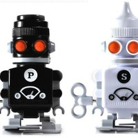 SUCK UK Salt and Pepper Robot Shakers