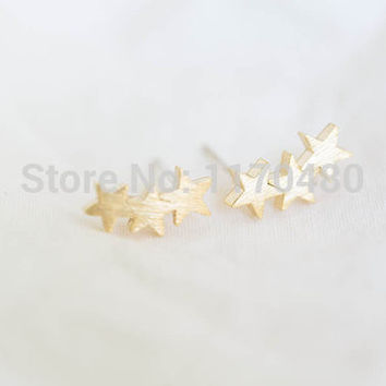 2016 New Fashion Gold 3 Star Men Teens Studs Earrings for Women Party Gifts Cute Elegant Ear Studs ED027