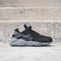 NIKE Air Huarache - Black / Grey