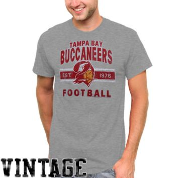 Tampa Bay Buccaneers Vintage Team Arch T-Shirt - Gray