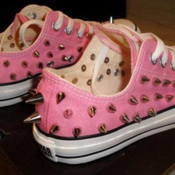 DCCK8NT new custom spiked converse size 8 women 6 men low top pink or blue chuck taylor s