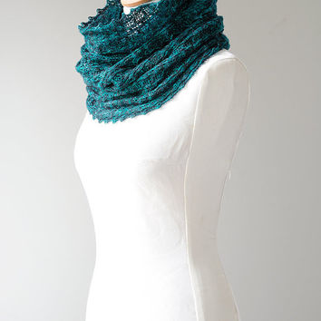 Merino knitted cowl, merino möbius scarf, wool cowl, snood, knitted wrap, blue colour hand dyed yarn 'Tuck'